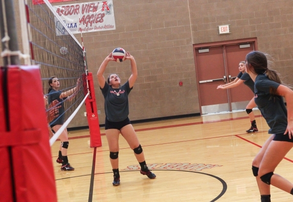 Arbor View setter Alyson Jeeves sets the ball during volleyball practice in Las Vegas on Tuesday, Sept. 15, 2015. Chase Stevens/Las Vegas Review-Journal Follow @csstevensphoto