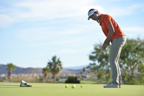 Bishop Gorman sophomore Hunter Pate putts a ball during a practice at Bear's Best Las Vegas on Thursday, Oct. 8, 2015 in Las Vegas. (Brett LeBlanc / Las Vegas Review-Journal Follow @bleblanc ...