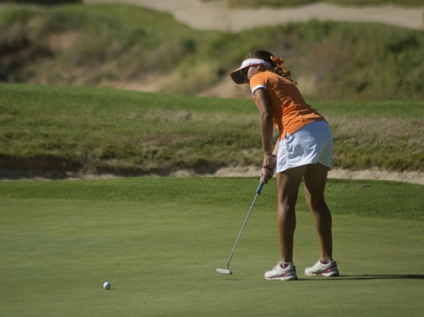 Danielle Oberlander of Bishop Gorman High School puts during the girls state championship golf tournament at the Primm Valley Golf Club in Nipton, Calif. on Thursday, Oct. 22, 2015. Daniel Clark/L ...