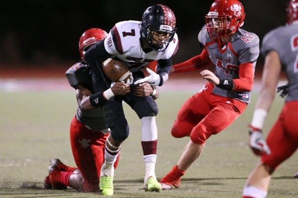 Arbor View's Andrew Wagner (42) runs the ball after a catch for a touchdown against Desert Oasis in the Sunset Regional semifinal game at Arbor View in Las Vegas Friday, Nov. 13, 2015. Arbor ...
