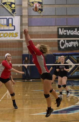 Truckee's Sierra Halberstadt (2) hits the ball during the division I-A state volleyball final match between Faith Lutheran and Truckee at Foothill High School on Saturday, Nov. 14 2015. Dani ...