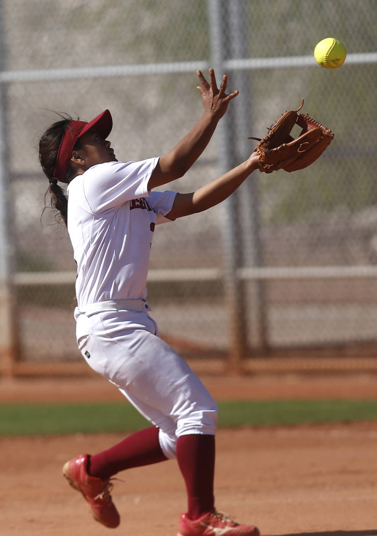 Desert Oasis's Izriah Hodson (3) catches a fly ball during a high school softball game at Majestic Park on Thursday, April 13, 2017, in Las Vegas. Basic won 5-2. Christian K. Lee Las Vegas Review- ...