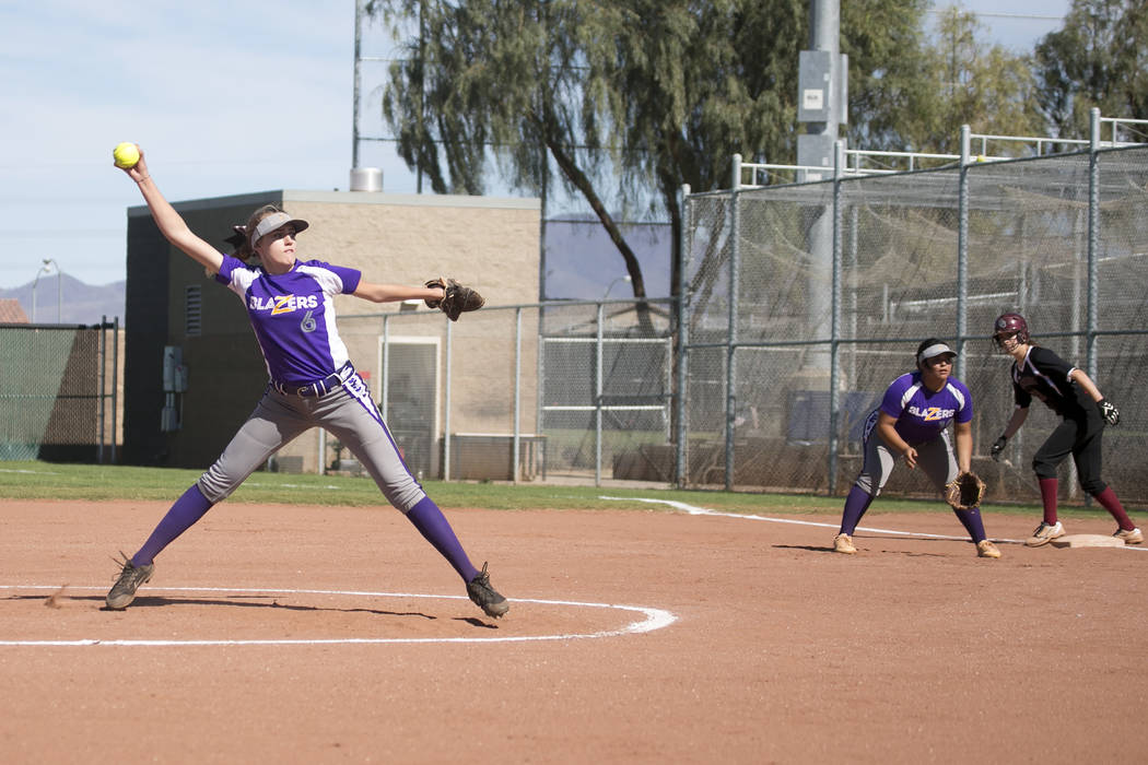 Durango freshman Madison Boyce pitches to Desert Oasis during a game at Desert Oasis High School on Tuesday, April 25, 2017, in Las Vegas. Bridget Bennett/Las Vegas Review-Journal @bridgetkbennett