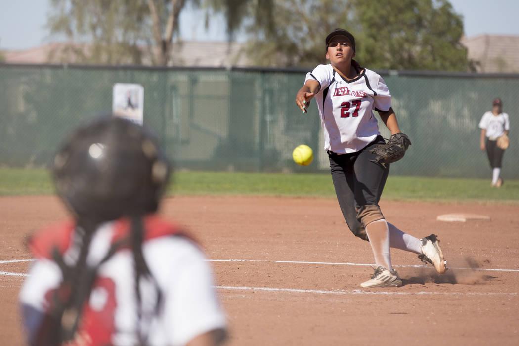 Desert Oasis senior Elsy Guzman (27) pitches to Bonanza during a game at Desert Oasis High School on Thursday, May 4, 2017, in Las Vegas. Bridget Bennett Las Vegas Review-Journal @bridgetkbennett