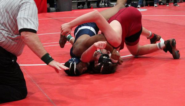 Shadow Ridge's Elvin Cruzmade an aggressivemove and went fora pin, just before Mesa, Bryan Zobeck of Red Mountain (Ariz.) turned the tables and won by fallon Fridayin ...