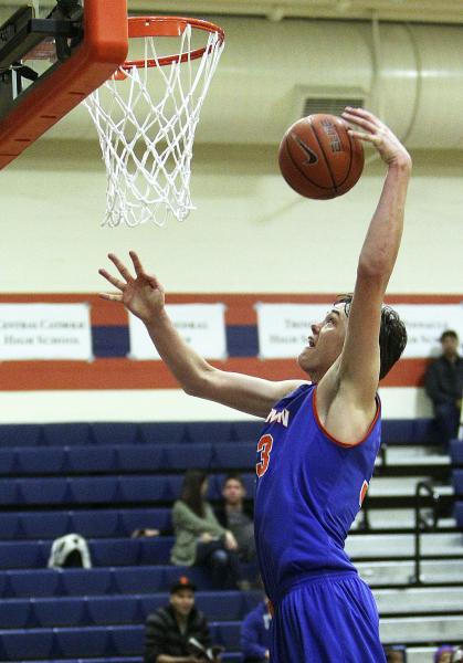 Seven-footer Stephen Zimmerman hopes to lead Bishop Gorman to its first victory against Findlay Prep.