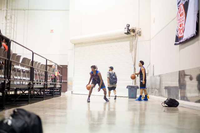 Las Vegas Knicks guard Isaiah Banks warms up before playing Iowa Brainstorms in an adidas Uprising Summer Championship game at the Cashman Center, Las Vegas, Wednesday night, July 20, 2016. (Eliza ...