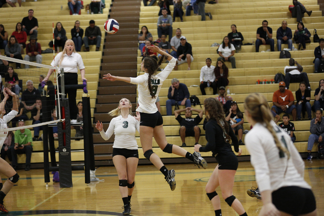Palo Verde's Makenzie Paulk (3) sets the ball for Palo Verde's Kayla Kinney (9) spike during the Sunset Region semifinals on Thursday. (Donavon Lockett/Las Vegas Review-Journal)