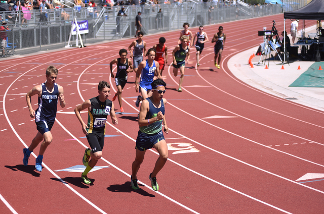 Boys compete in the 1,600-meter run at the Sunrise Region meet held at Del Sol High School in Las Vegas on Saturday, May 14, 2016. Martin S. Fuentes/Las Vegas Review-Journal