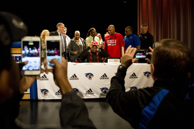 Senior Marckell Grayson signs to play college football for UNLV at Desert Pines High School, Las Vegas, February. 1, 2017.  (Elizabeth Brumley/Las Vegas Review-Journal) @EliPagePhoto