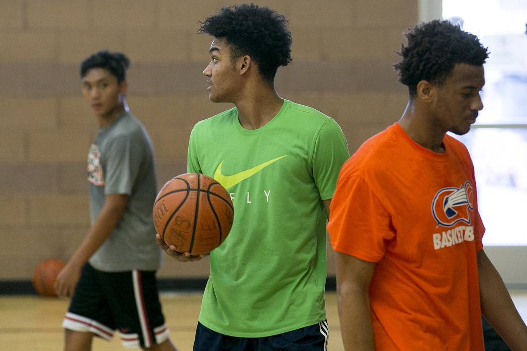 Jamal Bey runs drills during a Vegas Elite practice in Las Vegas on Tuesday, July 25, 2017. Bridget Bennett Las Vegas Review-Journal @bridgetkbennett