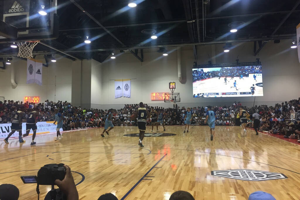 Fans pack the Cashman Center to watch the adidas Summer Championships in Las Vegas on July 26, 2017 (Ashton Ferguson/Review-Journal)
