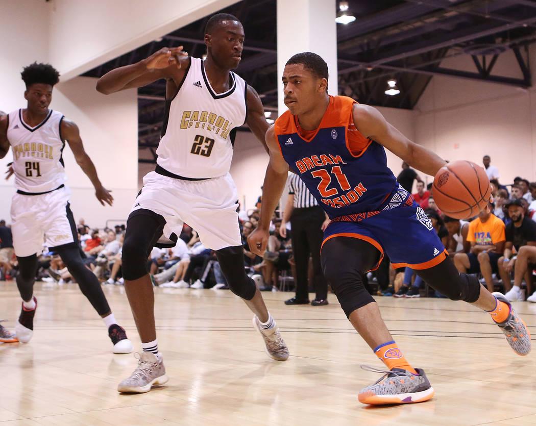 Bridget Bennett/Las Vegas Review-Journal Matt Mitchell handles the ball during an Adidas Summer Championship tournament game at Cashman Center on Wednesday, July 26, 2017.