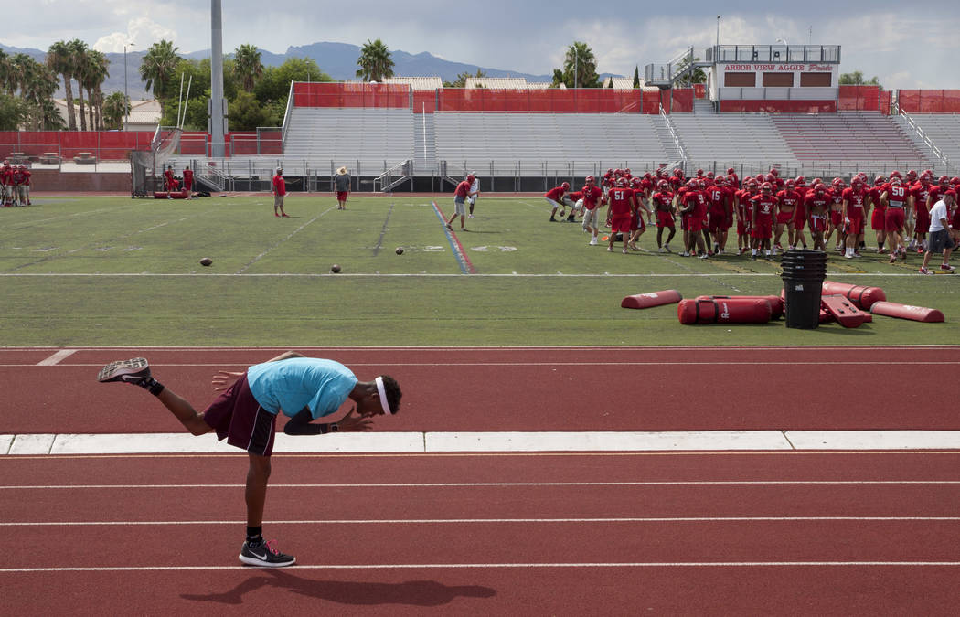 Arbor View varsity's Keith Williams stretches before practice at Arbor View High School in Las Vegas, on Tuesday, Aug. 29, 2017.  Gabriella Angotti-Jones Las Vegas Review-Journal @gabriellaangojo