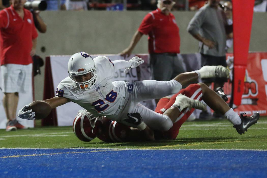 Bishop Gorman player Amod Cianelli (28) makes a touchdown during their game against Mater Dei at Santa Ana Stadium on Friday, Sept. 1, 2017 in Santa Ana, Calif. Bishop Gorman lost 35-21. Bridget B ...