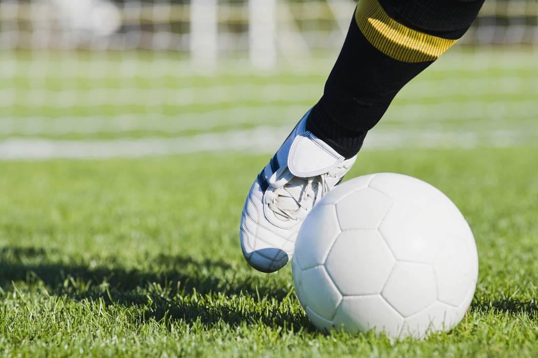 9351039_web1_thinkstockphotos-soccer-947