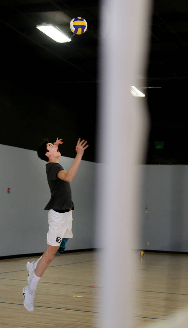 Scott Solan practices with his club team the Vegas United at the Vegas United practice facility in Las Vegas, Tuesday, Oct. 3, 2017. Elizabeth Brumley Las Vegas Review-Journal @EliPagePhoto