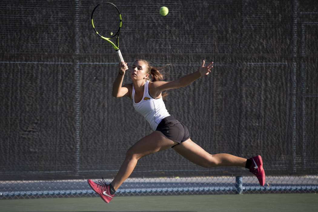 Clark's Audrey Boch-Collins during the girl's singles Sunset Regional championship at the Darling Tennis Center in Las Vegas, Saturday, Oct. 14, 2017. Erik Verduzco Las Vegas Review-Journal @Erik_ ...