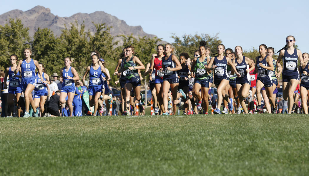 Runners compete during the Girls Cross Country Class 4A Sunrise Region race in Boulder City, Friday, Oct. 27, 2017. Chitose Suzuki Las Vegas Review-Journal @chitosephoto