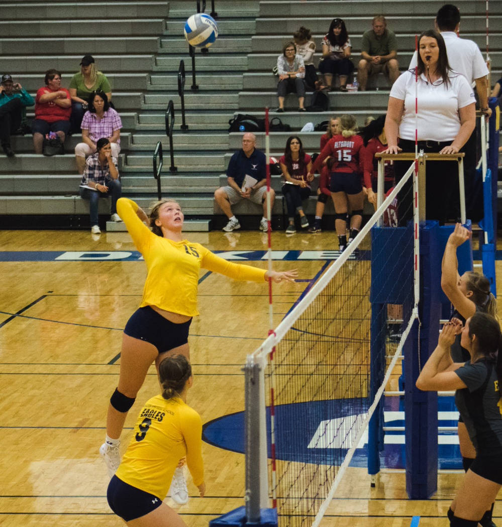 Boulder City senior volleyball player Maggie Roe plays in a tournament in Dixie, Utah, in August 2017. (Brooks Roe)