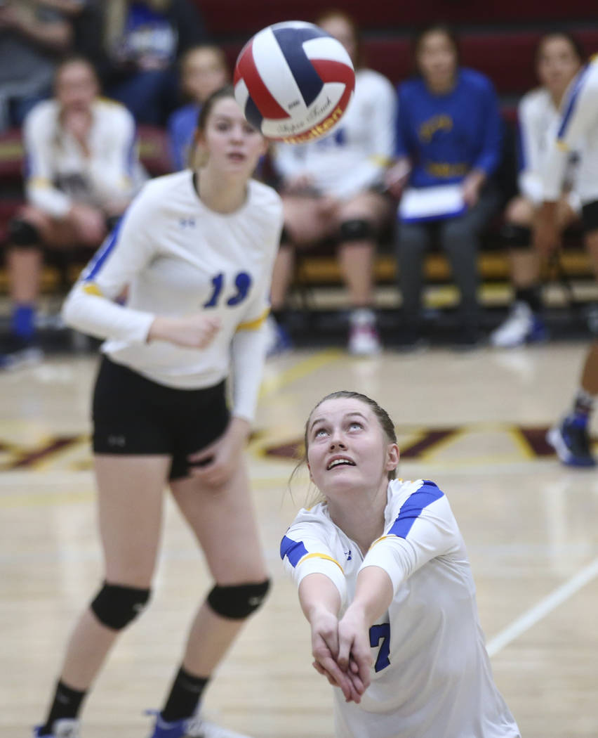 Lowry's Jadyn Eastman (7) goes for the ball while playing Moapa Valley during the Class 3A state volleyball game at Faith Lutheran High School in Las Vegas on Friday, Nov. 10, 2017. Chase Stevens  ...