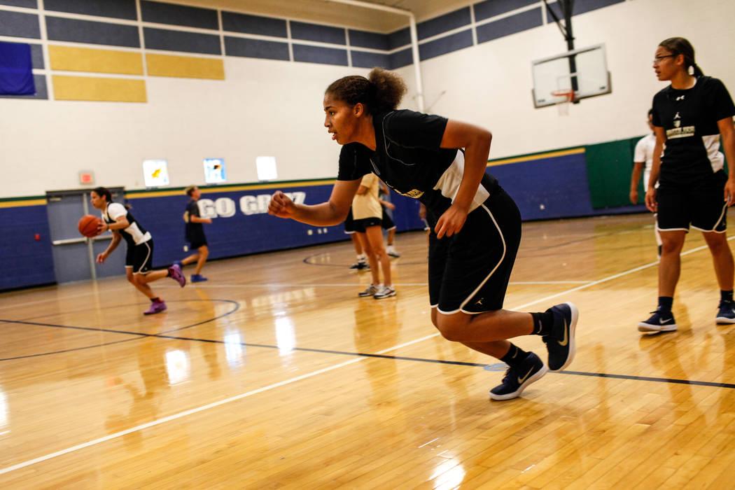 Kayla Harris (11) runs drills during a basketball practice at Spring Valley High School in Las Vegas, Thursday, Nov. 16, 2017. Joel Angel Juarez Las Vegas Review-Journal @jajuarezphoto