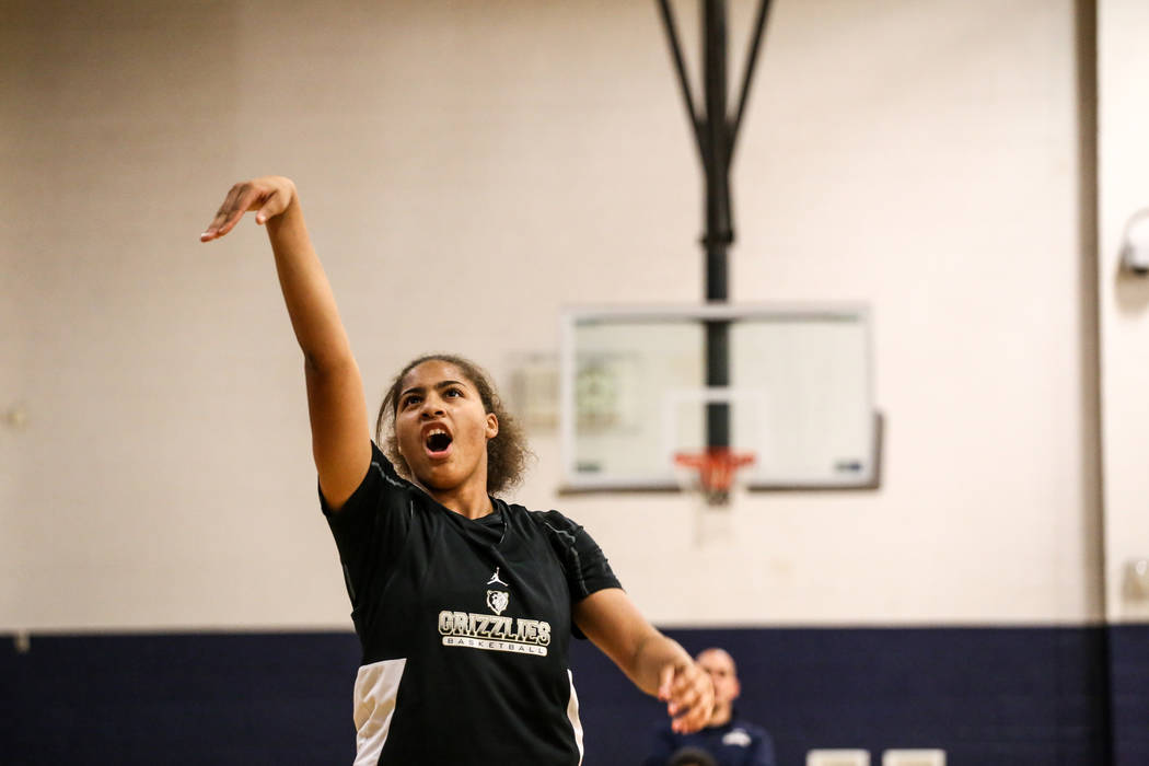 Kayla Harris (11) shoots the ball during a basketball practice at Spring Valley High School in Las Vegas, Thursday, Nov. 16, 2017. Joel Angel Juarez Las Vegas Review-Journal @jajuarezphoto