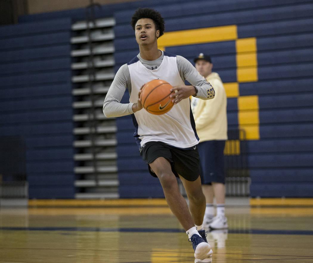 Derrick Thomas during a basketball team practice at Boulder City High School in Boulder City, Tuesday, Jan. 2, 2018. Erik Verduzco/Las Vegas Review-Journal