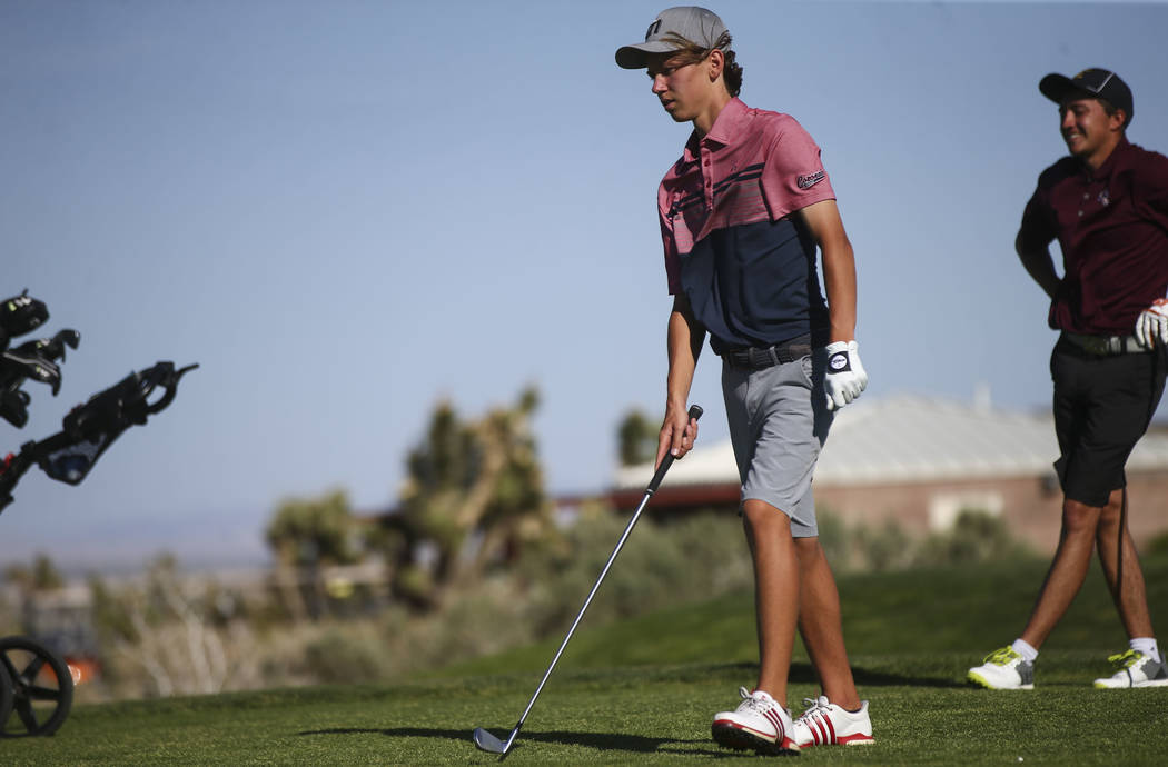 Coronado sophomore Brett Sodetz prepares for his tee shot during the Class 4A Sunrise Region tournament at Las Vegas Paiute Golf Resort in Las Vegas on Wednesday, May 9, 2018. Chase Stevens Las Ve ...