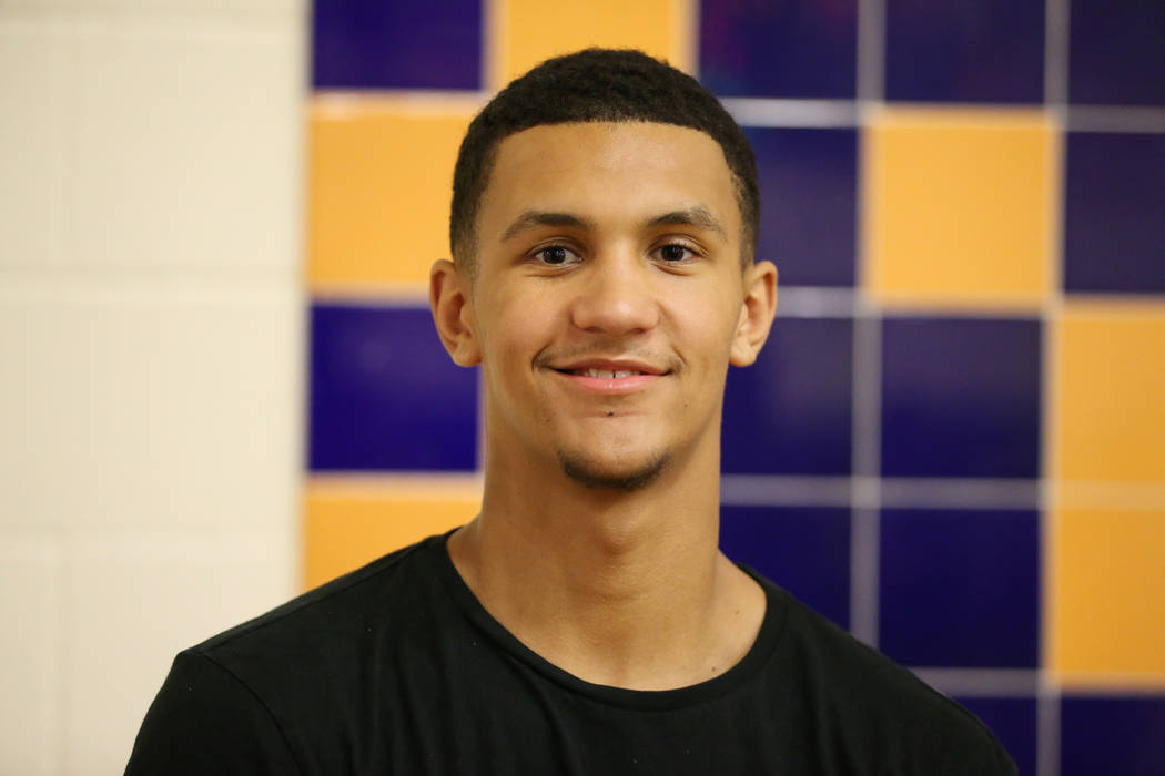 Grassroots Sizzle's Jalen Suggs poses for a photo at Bishop Gorman High School in Las Vegas, Thursday, July 26, 2018. Suggs was injured the day before and did not play. Erik Verduzco Las Vegas Rev ...