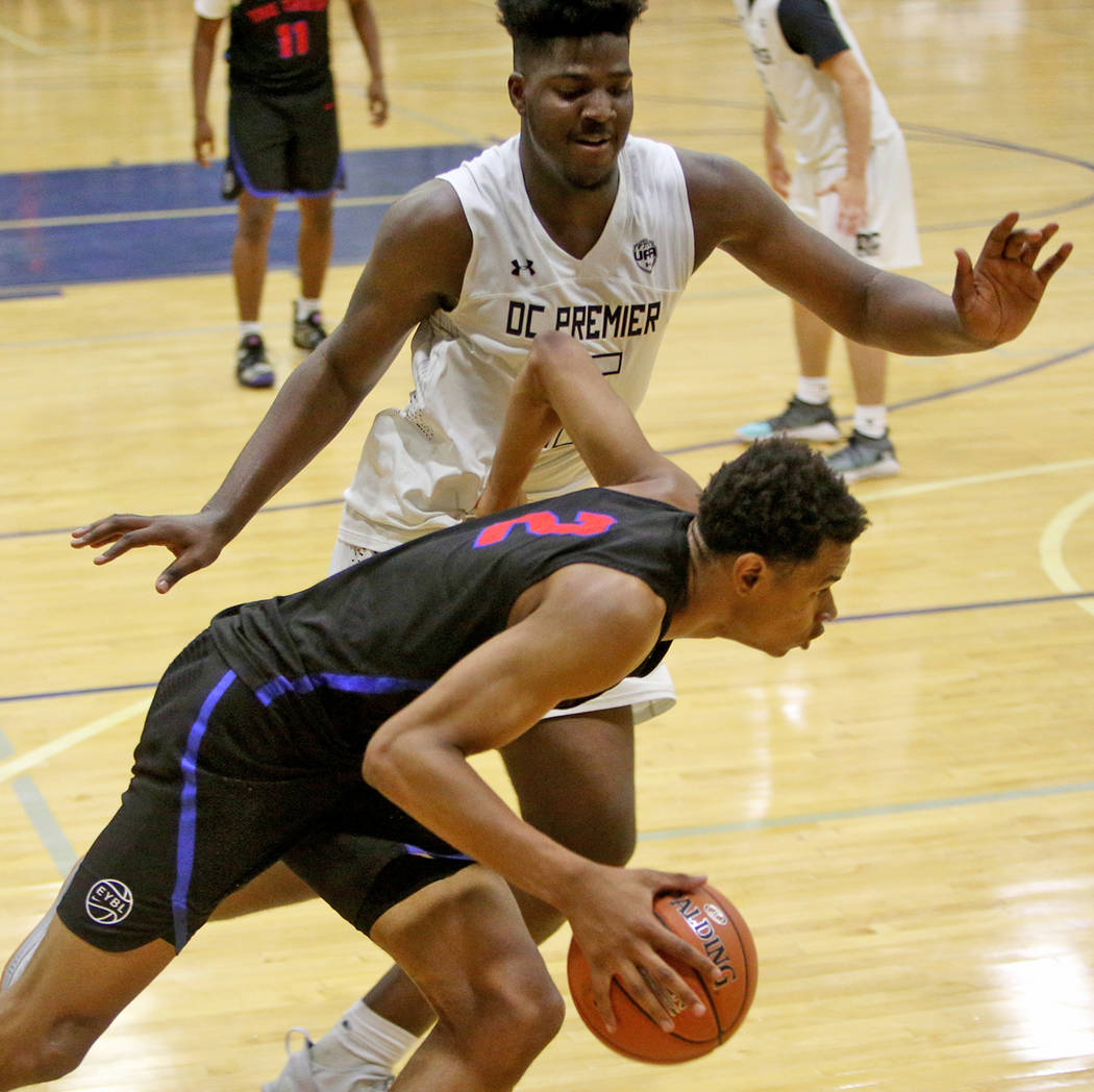 The Truth's Keshad Johnson (2) runs past DC Premier's Makhi Mitchell (15) at the Fab 48 tournament at Bishop Gorman High Schoolin Las Vegas, Sunday, July 29, 2018. Rachel Aston Las Vegas Review-Jo ...