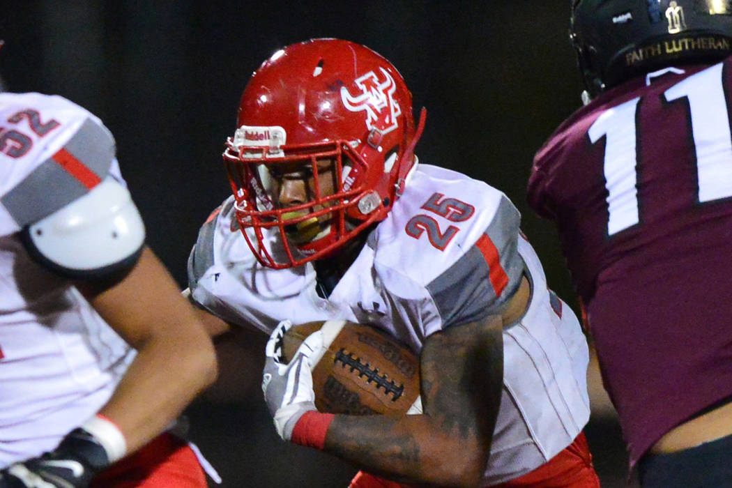 Arbor View running back Kyle Graham (25) runs the ball in the first half of a game against Faith Lutheran at Faith Lutheran in Las Vegas on Friday, Oct. 5, 2018. Arbor View won 10-7. Brett Le Blan ...