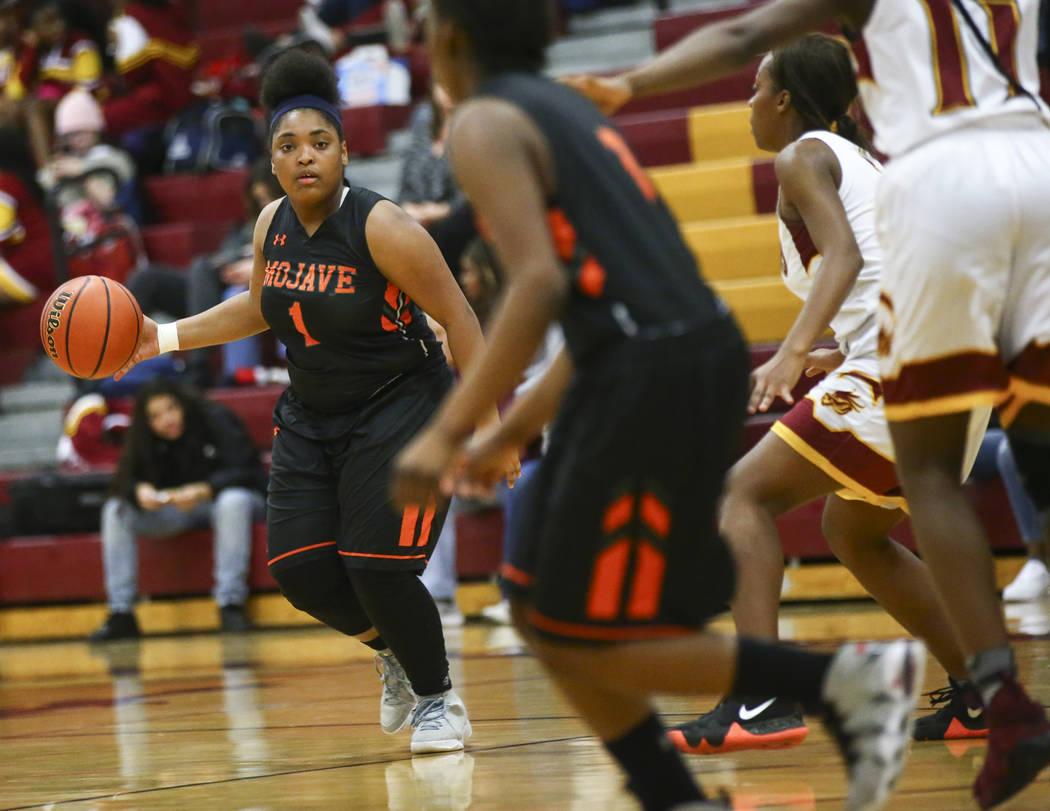 Mojave's Essence McRae (1) brings the ball up court during the second half of a basketball game at Del Sol High School in Las Vegas on Wednesday, Jan. 30, 2019. (Chase Stevens/Las Vegas Review-Jou ...