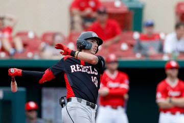 UNLV's Bryson Stott (10) bats during an UNLV at University of Houston NCAA college baseball gam ...
