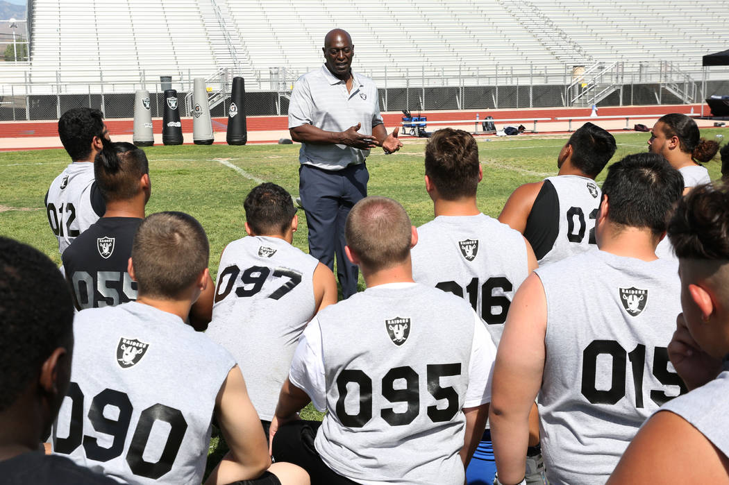 Reggie Kinlaw, a former defensive tackle for the Oakland/Los Angeles Raiders, speaks to local C ...